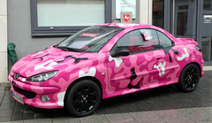 Girly camo (Schwanzus_Longus) Tags: delmenhorst german germany france french modern car vehicle peugeot 602cc 602 cc