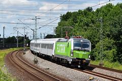 193 990 in Leverkusen-Rheindorf (Laufradsatzlageröler) Tags: elektroloks 193 drehstrom railpool flx nordrheinwestfalen leverkusenrheindorf flixtrain grün leverkusen vectron