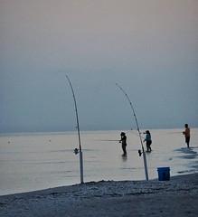 #latergram #dusk #sanibelisland #fishing #shoreline #softfocus #olympusinspired #olympuspenf #mirrorlessgeeks #mirrorlessphotography #microfourthirdsgallery #twilight #silhouette #sanibel #mzuiko40150mm (Sivyaleah (Elora)) Tags: sanibel island florida penf pen f olympus mirrorless vacation june 2019 fishing twilight dusk ocean people shoreline