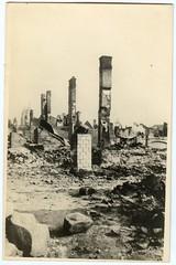 . (Kaïopai°) Tags: vintage ruine ruin kamin schornstein trümmer brand brandschaden schutt war krieg zerstörung damage brandschutt