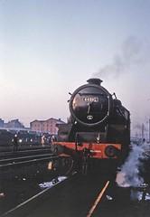 Black Five at Wellingborough (TrainsandTravel) Tags: england angleterre standardgauge voienormale normalspur britishrailwayslondonmidlandregion lms stanier blackfive 460 wellingborough homecountiesrailwaysociety sixcountiesrailtour