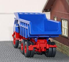 Wiking Model 0670 49 Henschel HS 3-180 TAK (willberghoff) Tags: henschel wiking hs3180 h0 187 modelcar