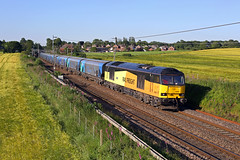 60087 Moore 27th June 2019 (John Eyres) Tags: 60087 which seems be solitary 60 liverpool biomass circuit moment passes moore with 6e24 1717 terminal drax 270619 pole shot