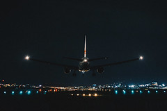 _MG_8882 (waychen_c) Tags: 中山區 taiwan tsa taipei boeing 777 tw taipeicity songshan 777200er rcss zhongshandistrict songshanairport light urban skyline night airplane airport cityscape nightscape aviation aircarft 台灣 台北 runway jal 台北市 japanairlines 松山 日本航空 松山機場 日航 波音 ja702j jl99 濱江街180巷