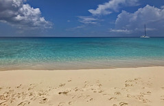 summer seas.jpg (remiklitsch) Tags: sea caribbean ocean blue beach aqua sand clouds white boat turksandcaicos remiklitsch nikon landscape summer