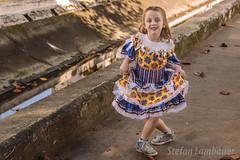 Catharina caipira (Stefan Lambauer) Tags: catharina caipira escola street rua festajunina baby stefanlambauer criança kid infant menina filha santos sãopaulo brasil brazil 2019