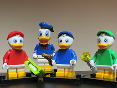 Huey, Dewey and Louie With Uncle Donald (Paranoid from suffolk) Tags: 2019 lego disney series2 huey dewey louie donald duck minifigs minifigures