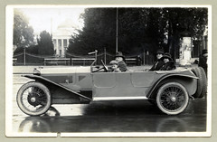 "Lancia Lambda (Vintage Cars & People) Tags: auto 1920s woman white black classic cars car lady vintage photography photo automobile foto antique vehicle sw motor flapper ifs lancia lambda twenties berlina lancialambda ""blackwhite"" slidingpillar fashion torpedo 20s opentourer coat furcoat cloche clochehat glockenhut hat cap flatcap homburghat"