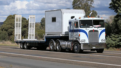 Yass Bound (3 of 10) (Jungle Jack Movements (ferroequinologist) all righ) Tags: peterbilt 281 ford 9000 t400 f k120 white atkinson 4870 for ltl riverina fragile freighters international 8000 c1800 cd140 dodge d5n 300 series table top flat bed flatbed tray highway hauling haulin hume sydney 2019 yass classic historic vintage veteran vehicle hp horsepower big rig haul trucker drive transport lorry hgv semi trailer cargo interstate load freighter ship motor engine power teamster tractor prime mover diesel cab usa england hard hotties older