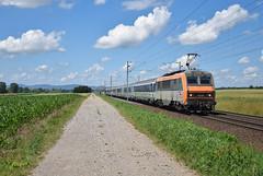 BB 26159 (Marc_135) Tags: bb26000 bb26159 béton hochfelden train rail soleil nuages orange bleu vert gris panto