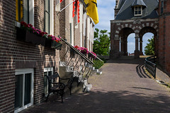 Sneek (Julysha) Tags: sneek flowers town 2019 friesland thenetherlands summer june wartergate architecture acr d7200 nikkor1680284 shadow bench stairs
