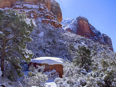 Time for  a break in the Heat: Zion National Park in the Snow (swissuki) Tags: zion national nature park landscape mountain sky snow usa ut utah supershot