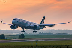 Cathay Pacific (ab-planepictures) Tags: cathay pacific airbus a350 bru ebbr brüssel flugzeug flughafen sonnenaufgang sunset airport aviation plane planespotting aircraft