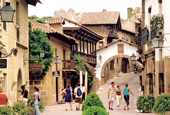 El Poble Espanol, Barcelona (M McBey) Tags: pobleespanyol barcelona attraction tourist town showpiece spain houses buildings street nikkormatftn film 2001