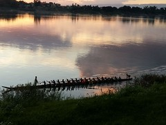 Mekong Sunset 2019-6-28  9 (SierraSunrise) Tags: thailand phonphisai nongkhai isaan esarn skies sky sunset reflections mekong rivers mekongriver boats longboat