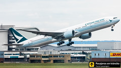 Boeing B777 Cathay Pacific B-KQF (Ana & Juan) Tags: airplane airplanes aircraft airport aviation aviones aviación boeing 777 b777 cathay pacific takeoff departure london londres lhr heathrow egll spotting spotters spotter planes canon closeup