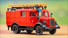 Feuerwehr-Löschfahrzeug (hans der insulaner) Tags: modellbahn modell feuerwehr löschfahrzeug roco h0 187 canon canonrp stacking macro makro focusbracketing canoneosrp