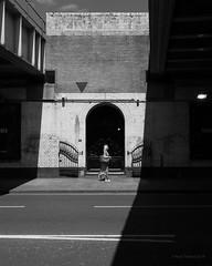 347 Old Street (cybertect) Tags: ec1 london londonboroughofhackney londonec1 oldstreet shoreditch sonya7ii sonyzeisssonnartfe35mmf28za arch blackwhite blackandwhite bridge monochrome shadow wall england unitedkingdom