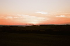 Tramonto in Val d'Orcia (michele.palombi) Tags: kodakektar100 film35mm analogicshot vald'orcia tuscany sunset