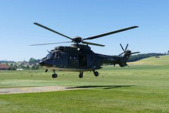 Super Puma Helicopter AS 332 Swiss Airforce T-319 LSZO Beromünster Airport Switzerland 2019 (roli_b) Tags: super puma superpuma cougar as 332 as332 swiss airforce air force schweizer luftwaffe t319 lszo beromünster airport aeroport flugplatz schweiz suisse suiza sivzzera switzerland heli helicopter helikopter hubschrauber vtol 2019 aviation aircraft