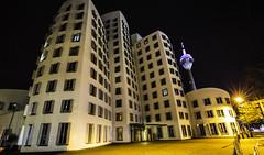 Düsseldorf0264Zollhafen (schulzharri) Tags: düsseldorf nrw deutschland germany europa europe architektur architecture glas modern haus building himmel gebäude stadt