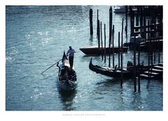 Ambiance (Nadège Gascon) Tags: ambiance lumixlx100 ngphotographe contrejour gondolier godole italie venise rès belle image très