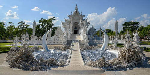 Unrestrained desire (foreground) - The amazing Wat Rong Khun (White Temple)