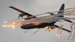 G-275 (Tynophotography (Martijn de Heer)) Tags: air airforce c130 flares force g275 hercules lockheed netherlands rnlaf royal