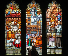 DSC00146 - History Window (archer10 (Dennis)) Tags: montreal chinatown sony a6300 ilce6300 18200mm 1650mm mirrorless free freepicture archer10 dennis jarvis dennisgjarvis dennisjarvis iamcanadian canada oldmontreal oldportmontreal notredamebasilica quebec notradamecathedral
