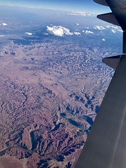 #GoingHome #WindowView #B777 (Σταύρος) Tags: desert planetearth utah capitolreefnationalpark 777 windowview windowseat airplane airplanewing goinghome b777 jetwing wing λεπίδοσ πτερόν adain aile vleugel ala flügel altitude flight fly aerial aério avion aéreo avión aereo vliegtuig flugzeug awyren aircraft airliner plane jet inflight