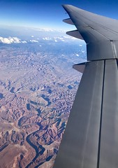 #GoingHome #WindowView #B777 (Σταύρος) Tags: desert utah capitolreefnationalpark airplane 777 windowview windowseat goinghome b777 airplanewing jetwing wing λεπίδοσ πτερόν adain aile vleugel ala flügel altitude flight fly aerial aério avion aéreo avión aereo vliegtuig flugzeug awyren aircraft airliner plane jet inflight