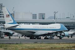 VC-25    Boeing 747-2G4B (butanochokinbako) Tags: airforceone vc25 boeing747 itm osakaairport fujifilm xt3 xf100400mmf4556 大阪空港 猪名川土手 伊丹空港