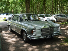 Mercedes-Benz 280SE 3.5 Coupé 1971 (929V6) Tags: ar2974 280se w111 britishautojumblewaalwijk2019