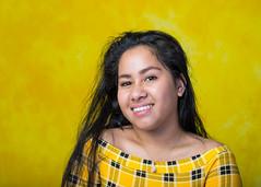 Black and Yellow (Fotografie - Metha Eikens) Tags: shoot fotoshoot vrouw meisje kleur colour yellow