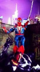 Drop in (custombase) Tags: marvel marvellegends figures gamerverse spiderman vs monster venom diorama toyphotography