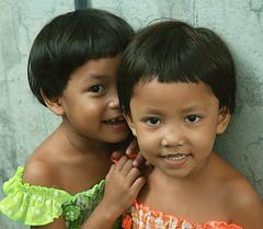 cute girls (the foreign photographer - ฝรั่งถ่) Tags: cute girls children kids khlong thanon portraits bangkhen bangkok thailand canon happyplanet asiafavorites