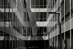 pabellones de la expo (a-r-g-u-s) Tags: ventanas windows expo oficinas cristal reflejos