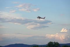 N6482M - Cessna 152 (BenWestPhotography) Tags: nikon nikonp7800 dxo dxoopticspro10 btv kbtv burlingtoninternationalairport vermont vt evening aviation airport airplanes mountains plane spotting cessna cessna152 c152 vfa vermontflightacademy