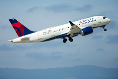2019_06_15 Delta CSeries-40 (jplphoto2) Tags: a220 a220100 bsc100 bombardier bombardiercseries cs100 cseries deltaairlines deltaairlinesa220100 deltaairlinescseries jdlmultimedia jeremydwyerlindgren aircraft airline airplane airport aviation
