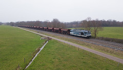 Elles circulent encore (videostrains) Tags: bb67572 bb67400 bb67000 infra train sncf fret balalst railway bahn ballastières drone