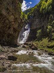 Cascada (tonygimenez) Tags: cascada agua paraje naturaleza paisaje arboles cielo montaña parque ordesa aragón