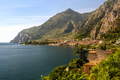 Limone-018 (NiBe60) Tags: italien gardasee lombardei prescia berg alpen limone sul garda gardesana occidentale italy lake lombardy mountain alps