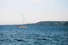 Avvolti dal mare (michele.palombi) Tags: film35mm suditalia mare
