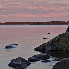 Piece of coast (Stefano Rugolo) Tags: stefanorugolo pentax k5 kmount tamronspaf90mmf28dimacro11 coast sunset clouds sky sea balticsea landscape seascape rocks reflections ripples