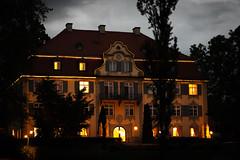 Schloss Neutrauchburg (AxelN) Tags: neutrauchburg allgäu dämmerung badenwürttemberg schloss isny hotel dawn germany haus lighted beleuchtet deutschland