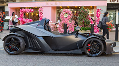 KTM X-BOW (iesphotography) Tags: ktmxbow sportscar luxury millionaire car auto money rich awesome supercarslondon londoncars londonsupercars automobile eln knightbridge kensington ktm xbow