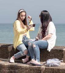 BRIDLINGTON, E YORKSHIRE_DSC_6118_LR_2.5 (Roger Perriss) Tags: bridlington seasdie coast d750 seawall sitting girls teenagers people pose photo