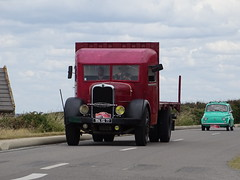 Tour de Bretagne 2019 - camion Bernard (BOSTO62) Tags: tourdebretagne automobile wagen car anciennes 2019 camion bernard camionbernard truck