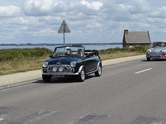 Tour de Bretagne 2019 - Austin Mini cabriolet (BOSTO62) Tags: tourdebretagne automobile wagen car anciennes 2019 austin mini cabriolet vert anglais