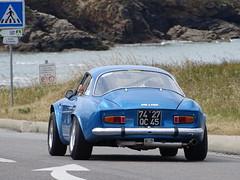Tour de Bretagne 2019 - Alpine Renault A110 (4) (BOSTO62) Tags: tourdebretagne automobile wagen car anciennes 2019 alpine a110 bleu